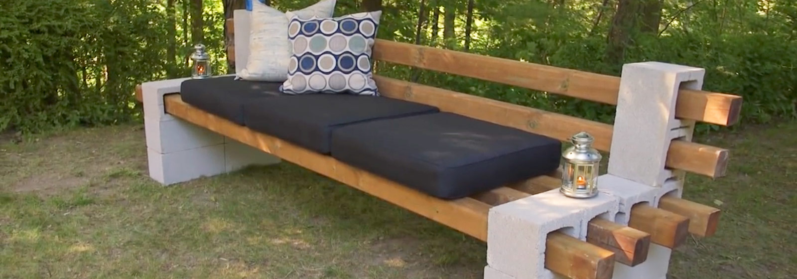 Diy cinder block bench summer simplified belairdirect for Cinder block seating area