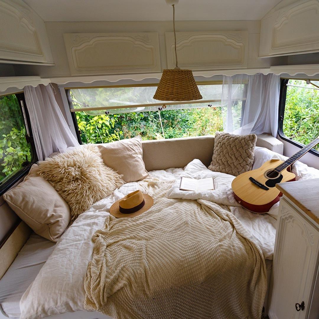 belairdirect_new house trends_Maisons dans un véhicule